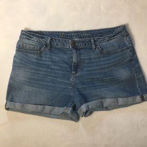 Lauren Conrad Medium Wash Cuffed Shorts Size 14
